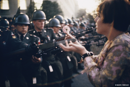MARC RIBOUD : Washington, DC, 1967. March for Peace in Vietnam