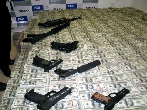 PHOTO'S OF A MEXICAN DRUG LORD'S HOME AFTER BEING RAIDED