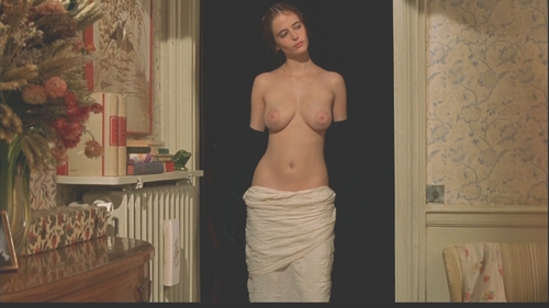 Statufied Eva Green