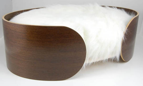 Vurv Ellipse Dog Bed for the Fastidious Canine