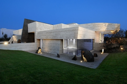 Modern Architecture: La Finca Residence in Madrid