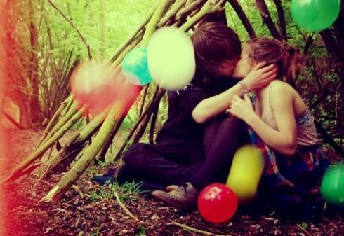 #kiss in #cabane with #balloon