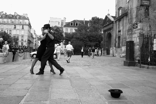 Next Tango in Paris - par Luke Robinson