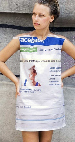Facebook profile dress