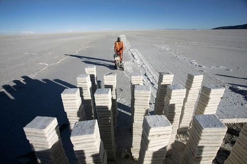 Bolivia Seeks Electric Car Future in Salt Flats