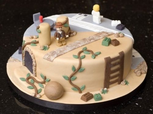 Lego Indiana Jones and Star Wars Cake [Dessert Time]