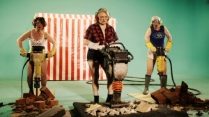 MOOV'UP Le BLOG ! » Satisfaction : the granny remake for EqualPayday