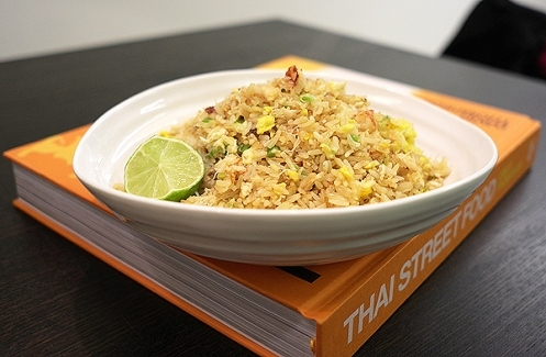 thai street food (crab fried rice) #cuisine #recette
