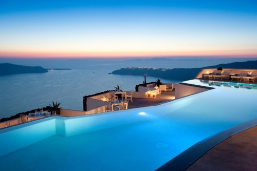 TrendsNow | The Santorini Grace Hotel