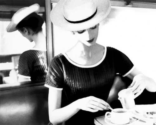 carmen-having-tea