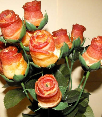 Des roses bacon | Le Journal du Geek