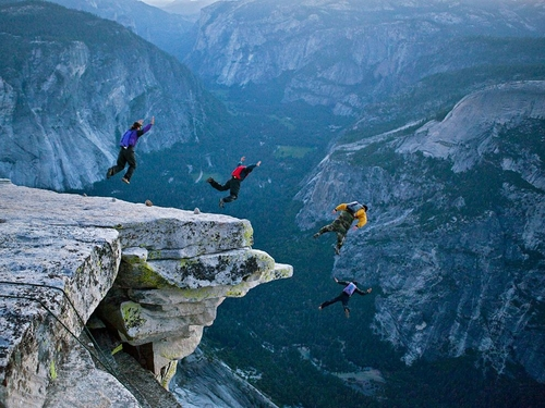 Base jumping, Yosemite – National Geographic Photo of the Day