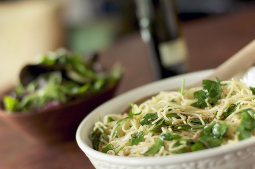 Spaghetti with Parsley-Red Pepper Olive Oil Sauce #cuisine #food #recette