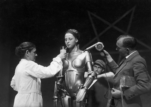 Behind the Scene - Metropolis