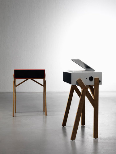 micro desk/ipod speaker system by Paolo Cappello