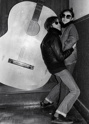 Rare Photographs of Celebrities : John Lennon and Yoko Ono