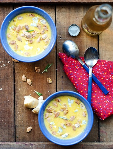 Pear and Gorgonzola Soup #food #recettes #recipes #cuisine