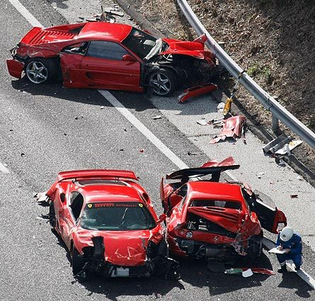 Eight Ferraris crash in Japan