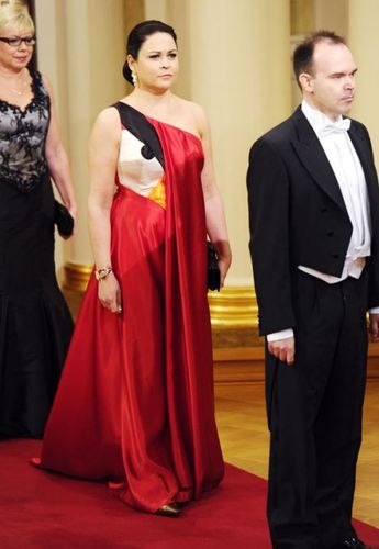 Wife of Rovio boss turns up to the palace wearing an Angry Birds dress   Mail Online