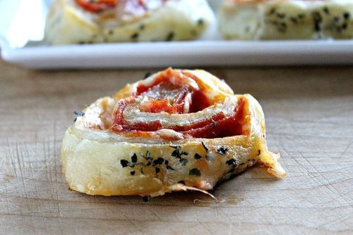 Puff Pastry Pizza Rolls #food #recettes #recipes #cuisine