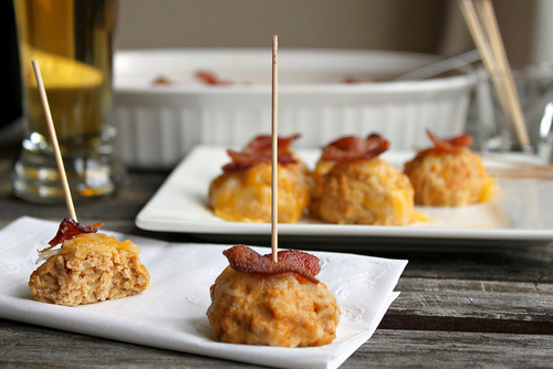 Buffalo Ranch Chicken Cheese Bites with Crispy Bacon   #food #recettes #recipes #cuisine