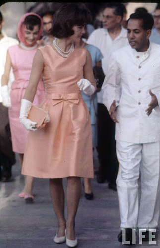 Jackie Kennedy in visit to India #vintage #fashion