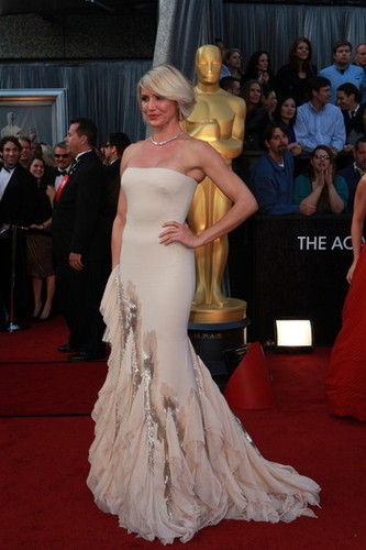 2012 Oscar Dashboard - Cameron Diaz is wearing Gucci Premiere.