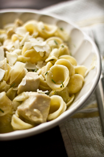 Orecchiette Pasta with Chicken in a Creamy Rosemary lemon Sauce   #food #recettes #recipes #cuisine