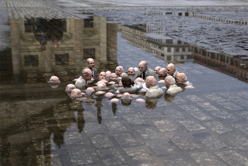 Street Art in Barcelona by Isaac Cordal