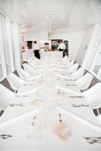 The CUBE restaurant - Dining with a view in milano