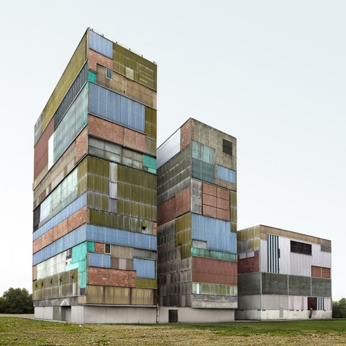 filip dujardin : crazy-building