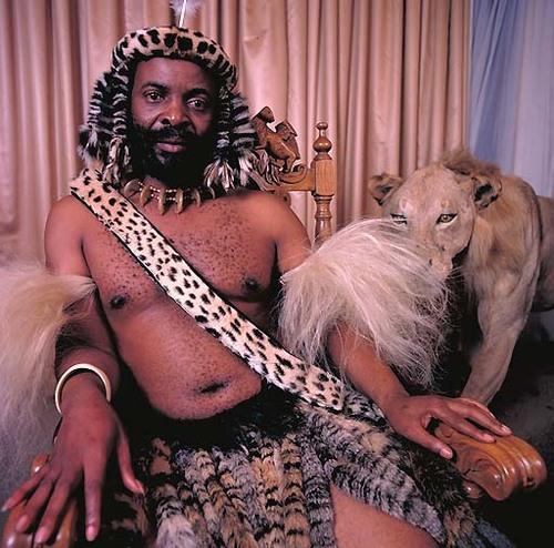 The Kings of Africa: 18 Fascinating Portraits by Daniel Laine