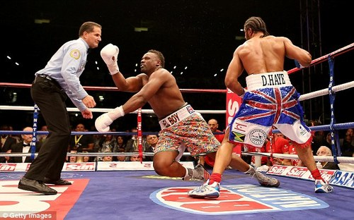 David haye knocks out Dereck Chisora in fifth round