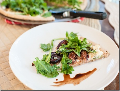 Fig and Gorgonzola Pizza with Arugula #food #cuisine #recette