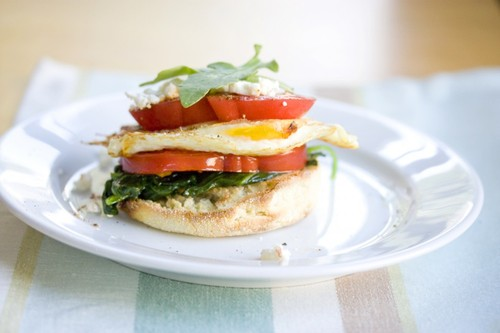 Fried Egg and English Muffin Stacker Thing #food #recette #cuisine #recipe