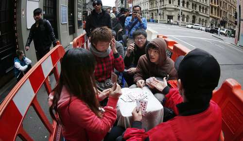 File d'attente - La folie de l'iPhone 5 gagne le monde