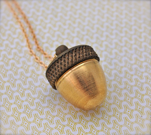 Acorn Canister Locket Ashes Necklace par verabel sur Etsy