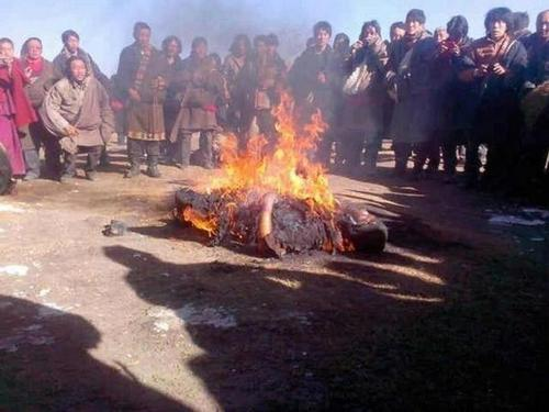Warning : One more Tibetan set himself on fire today at 3:15 pm in Rebkong.
