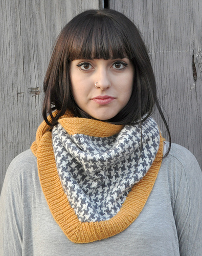 Houndstooth Bandana pattern by Jocelyn Tunney