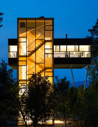 Tower House in Upstate New York by GLUCK+