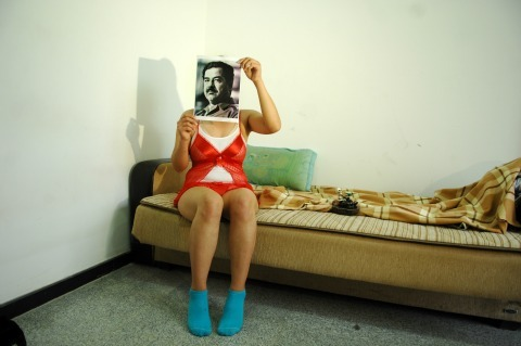 """Saddam is Here"" : un photographe irakien s'attaque au tabou Saddam Hussein"