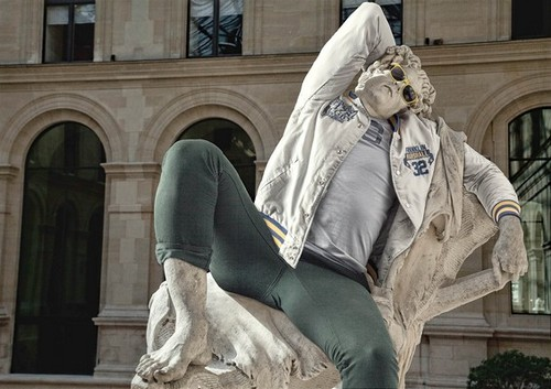 classical-sculptures-hipsters-1.jpg 565 × 399 pixels