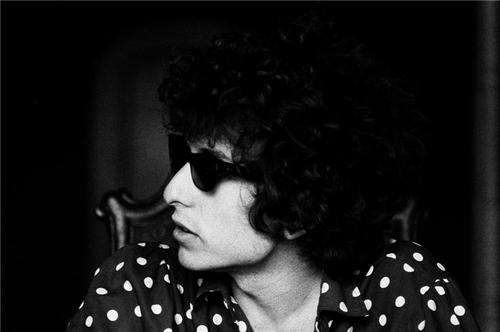 Old #portrait of Bob Dylan in LA - 1966 photographed By Lisa Law