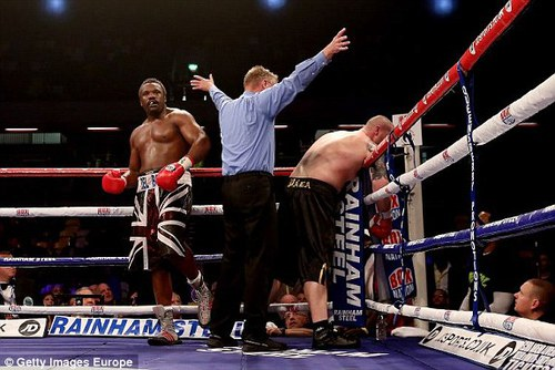 Dereck Chisora v Ondrej Pala : Chisora wins by stoppage in the third