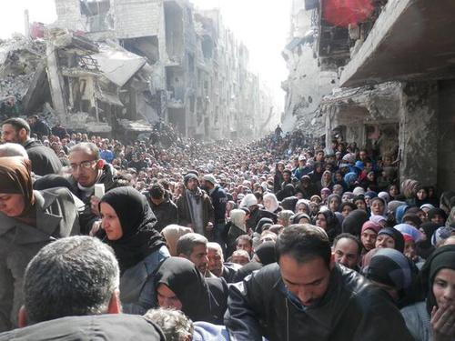#Syria this incredible picture courtesy UNRWA humanitarian distribution, Yarmouk Camp, Damascus. 201