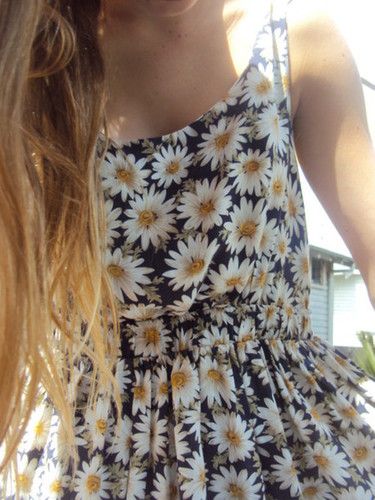 Dress: floral, daisy, floral, summer outfits, hippie, girl, clothes, lovely, sunflower