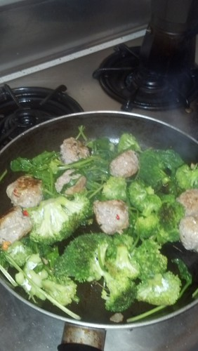 Cuisine, flooding, meatballs, broccoli