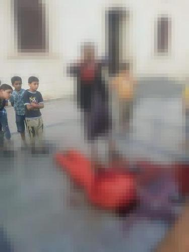 #Libya : ISIS militants in the city of #Derna allowed children to witness the beheading of army memb