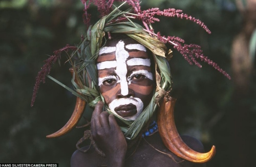 The Ethiopian Fashion Tribe that turns Nature into Haute Couture | Messy Nessy Chic