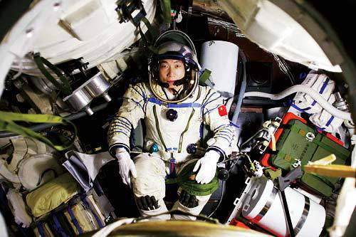 Chinese astronaut hears non-causal knock in space